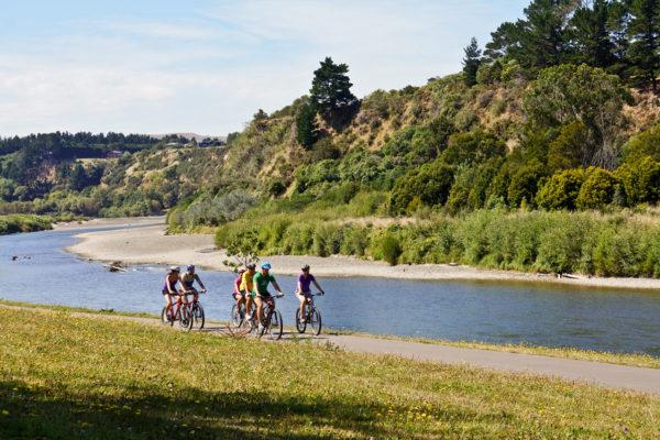 Cycling - Manawatu River Pathway